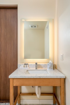 The Agrarian Hotel - Guest Bathroom