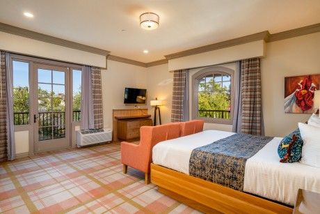 The Agrarian Hotel - Guest Room